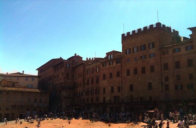 Piazza del Campo, palazzi