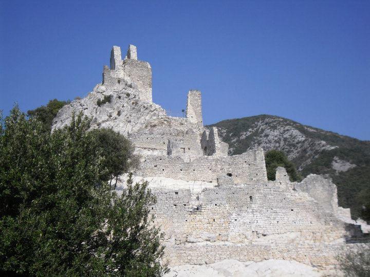 Rocca San Silvestro - dettaglio
