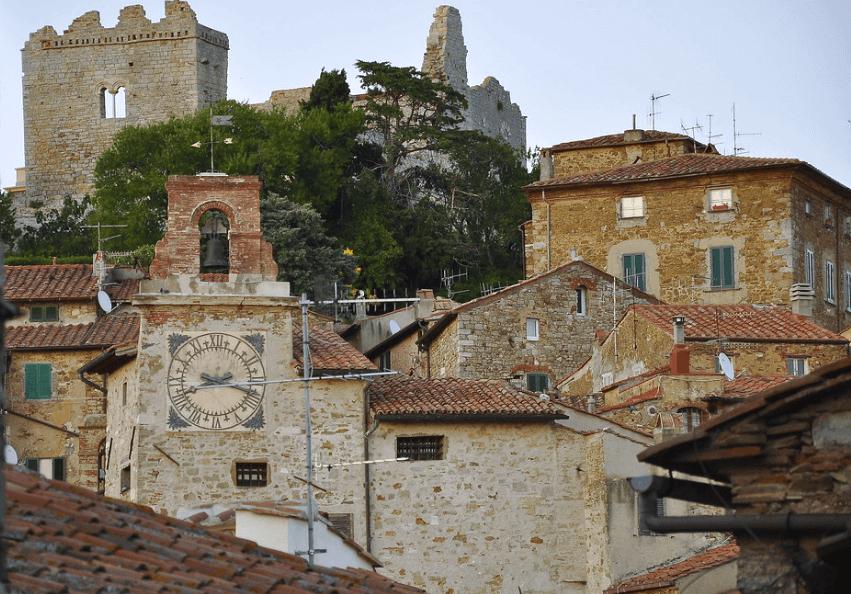 Il centro storico di Campiglia Marittima