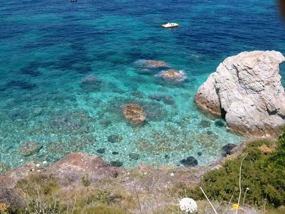 Spiaggia di Sansone - Scogli