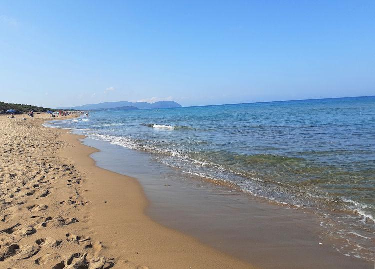 La spiaggia libera e il mare di Rimigliano